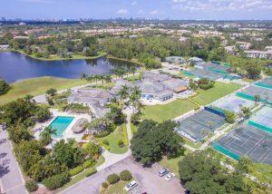 Immobilien am Tennisplatz Florida kaufen und verlaufen
